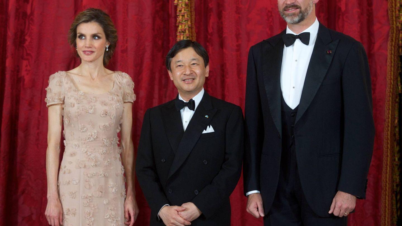 Naruhito, con Felipe y Letizia. (Getty)