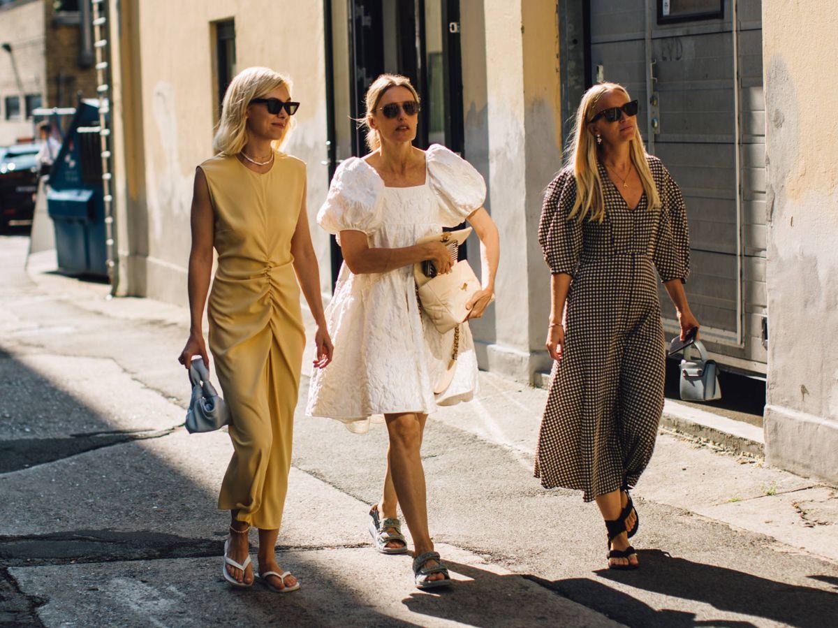 Foto: Sandalias cómodas vistas en la Semana de la Moda de Copenhague. (Cortesía)