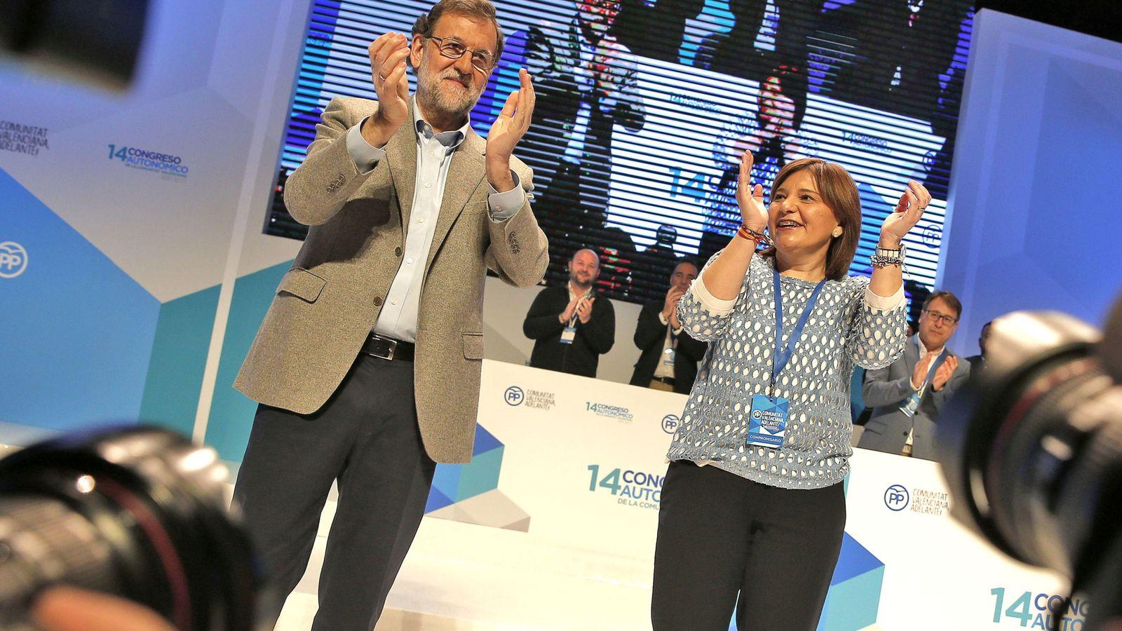 Foto: Mariano Rajoy e Isabel Bonig, en la clausura del congreso regional del PPCV. (EFE)