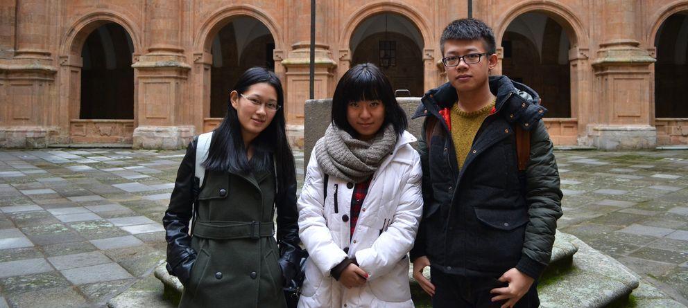 Foto: Shuo, Rong y Zehao en Salamanca. (B.J.)