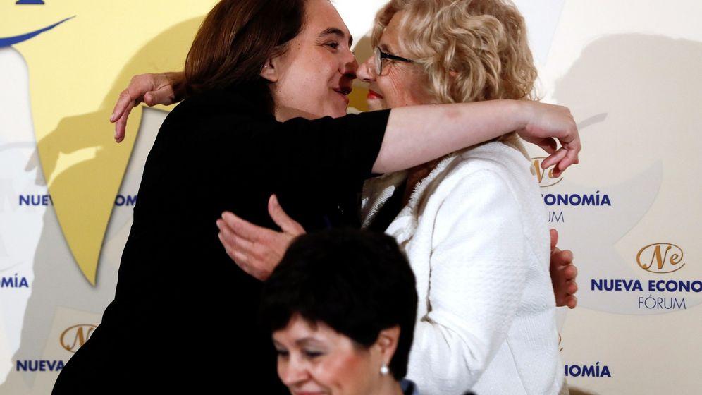 Foto: Ada Colau y Manuela Carmena, en un evento reciente. (EFE)