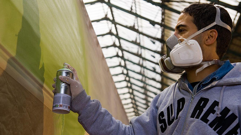 Una pareja destroza por error un grafiti en Seúl valorado en casi medio millón de dólares