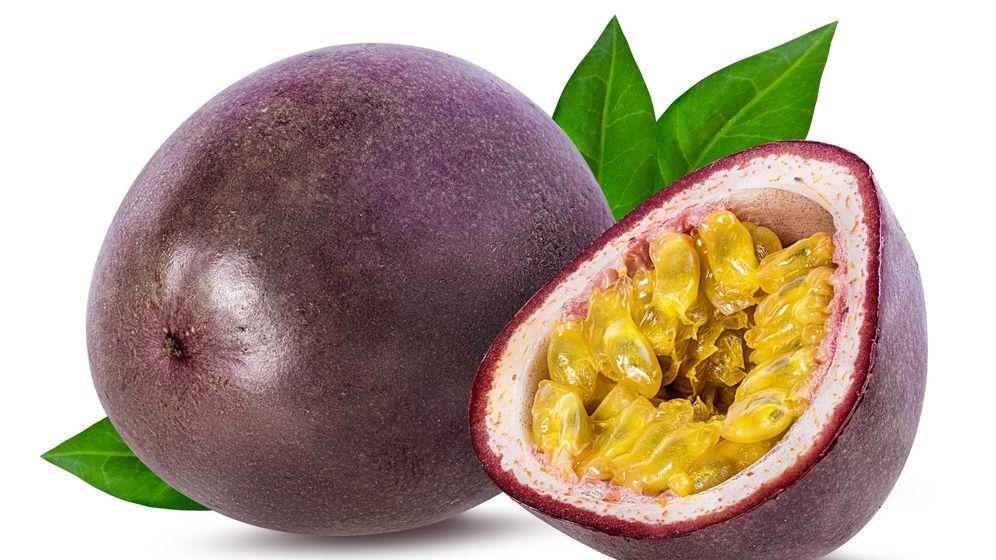 Foto: Maracuyá: una fruta con alto contenido en fibra. (iStock)