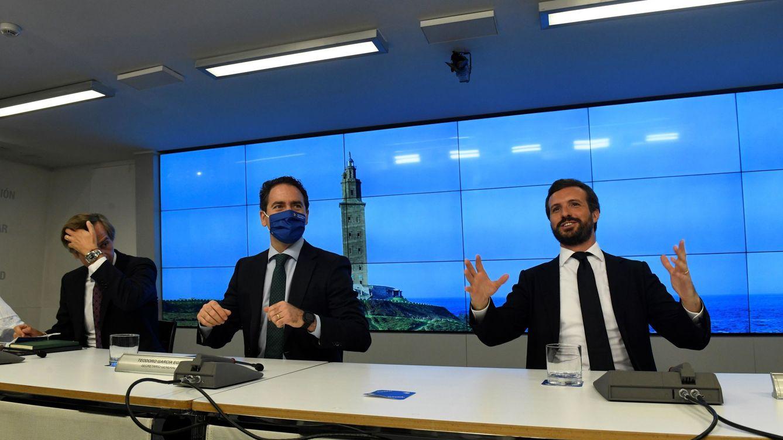 Casado defiende su estrategia ante las voces críticas: El PP no ha dejado la moderación