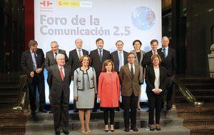 El director de 'El País' admite que la vida era más cómoda sin la banca
