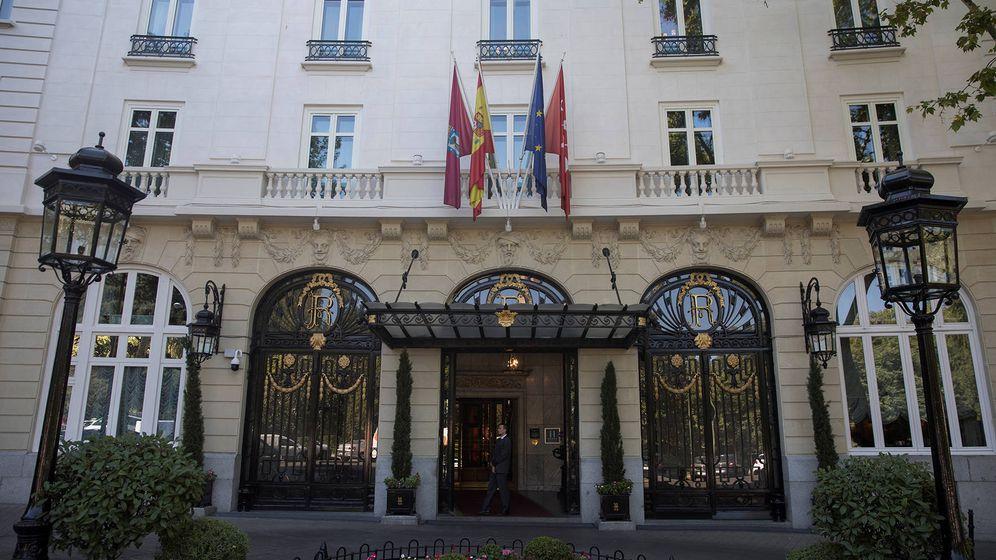Foto: Fachada del hotel Ritz, antes de su cierre. (Reuters)