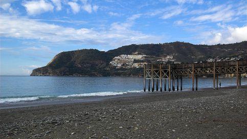 Unos niños que jugaban en una playa encuentran 17 kilos de hachís en un bidón