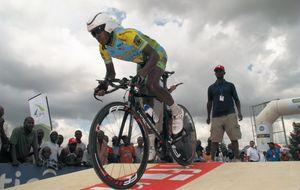 Adrien Niyonshuti, el superviviente 'tutsi' que hace historia en el ciclismo negro
