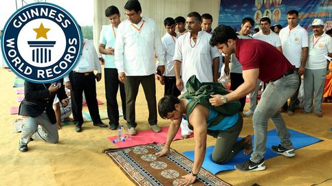 Así es el hombre que ha conseguido un récord Guinness haciendo flexiones con un peso extra de 36 kilos a su espalda