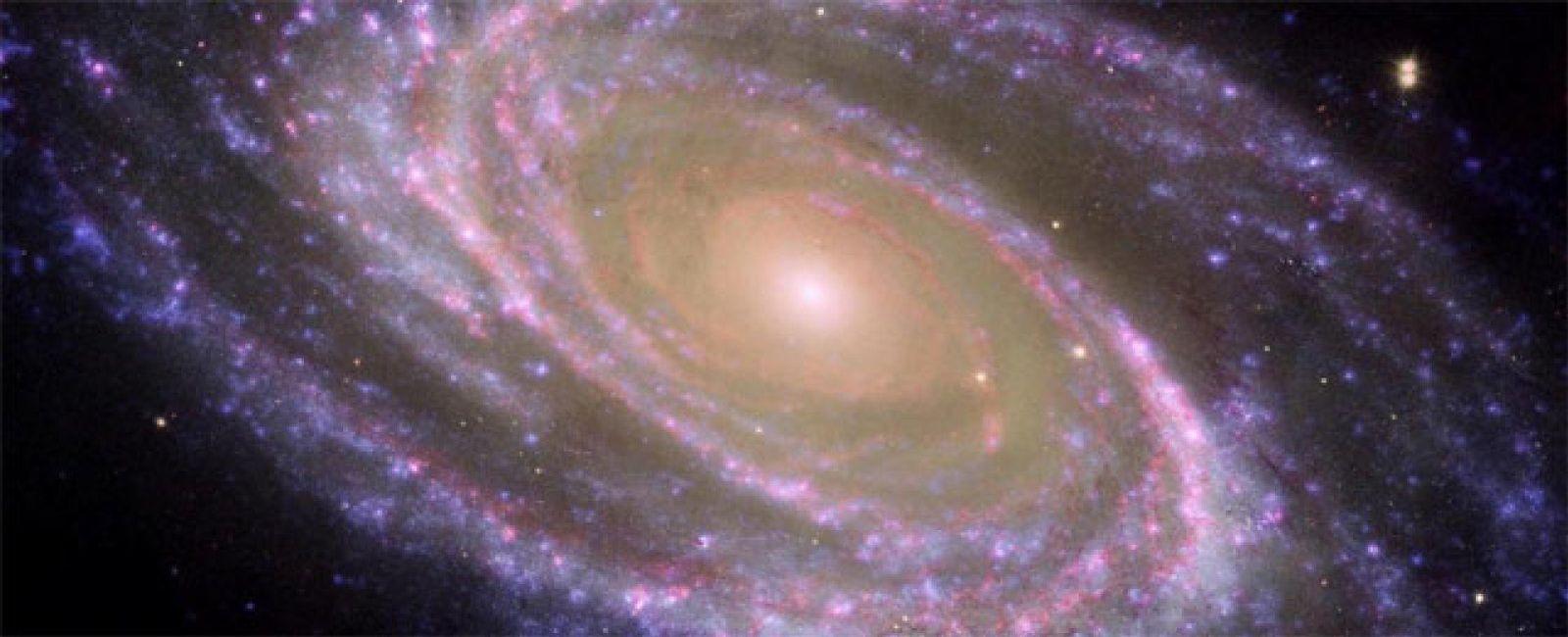 Foto: Una galaxia que crea estrellas 2.000 veces más rápido que la Vía Láctea