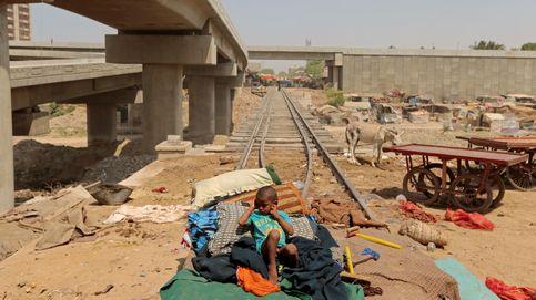 Karachi: llega el tren, desaparecen las chabolas