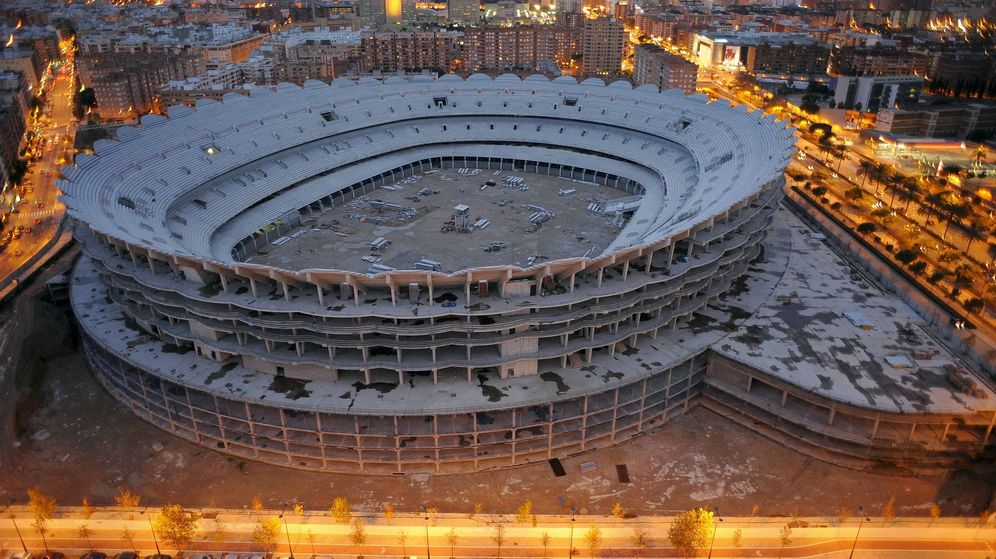 Foto: Fotografía de archivo de las obras del nuevo estadio de Mestalla. (EFE)