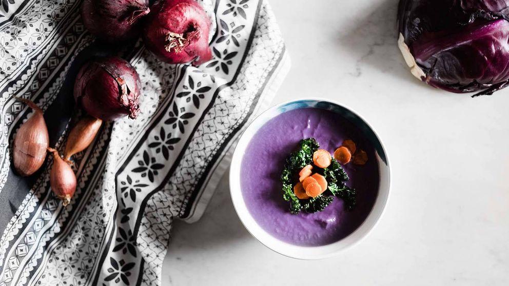 Crema de lombarda con zanahorias y germinados: seducción a primera vista