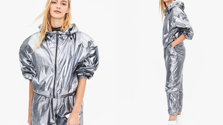 Un traje de aire deportivo de la la firma de Inditex. (Cortesía)