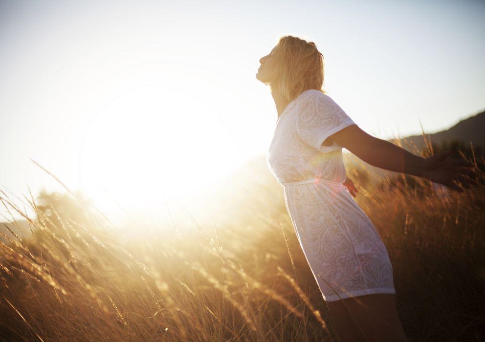 Foto: Las personas felices se crecen ante un reto y disfrutan de su día a día a pesar de los obstáculos. (iStock)