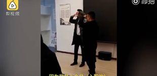 Post de Comer cucarachas y beber orina: los castigos de una empresa china a sus empleados