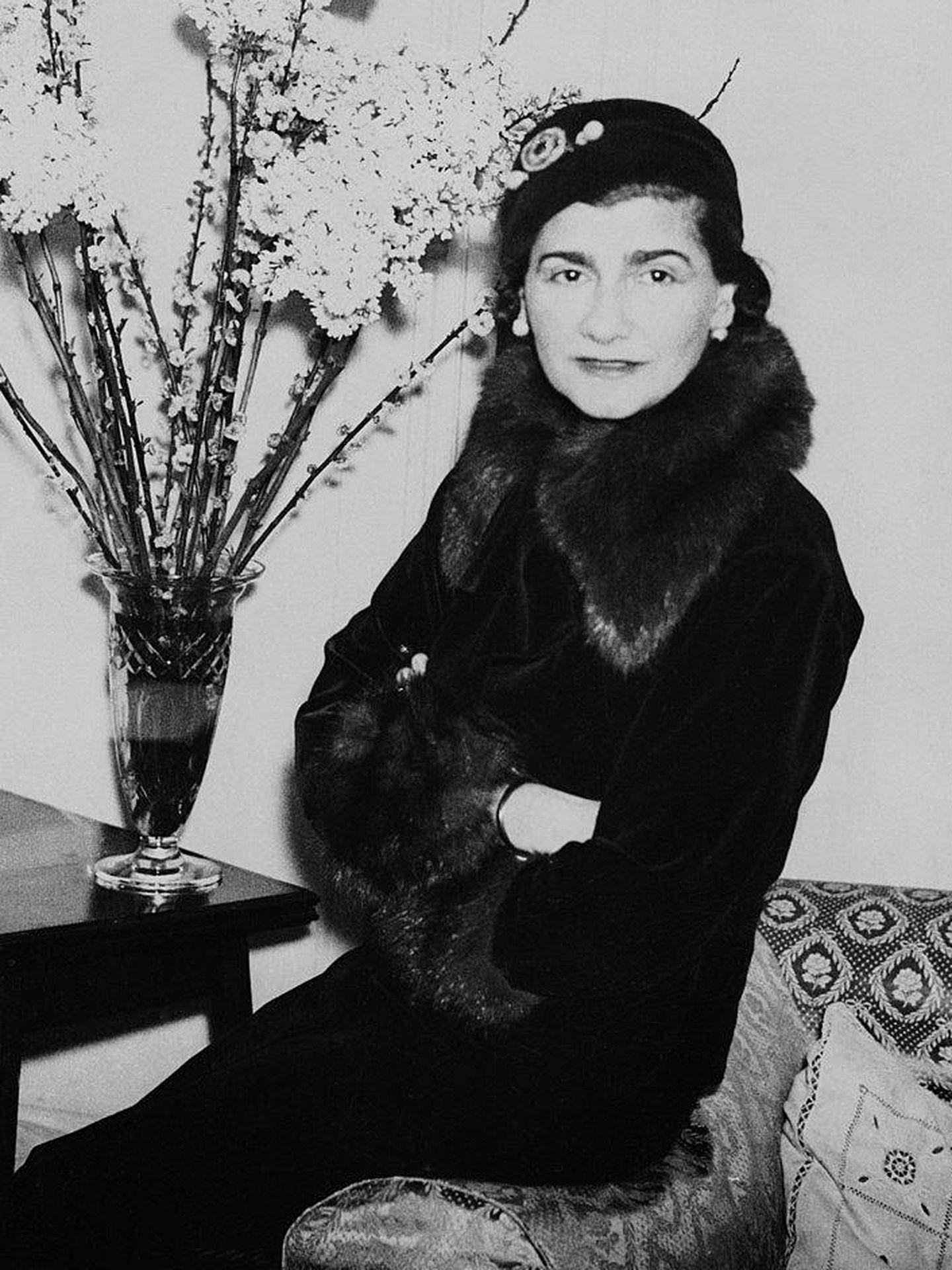 Un retrato de la diseñadora Gabrielle Chanel de 1932. (Getty)