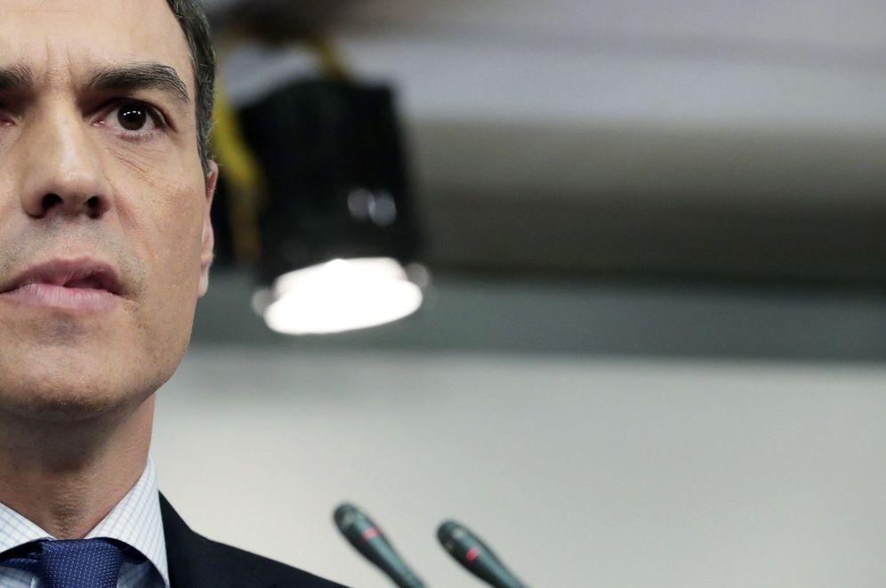 Foto: El secretario general del PSOE, Pedro Sánchez, durante una rueda de prensa. (EFE)