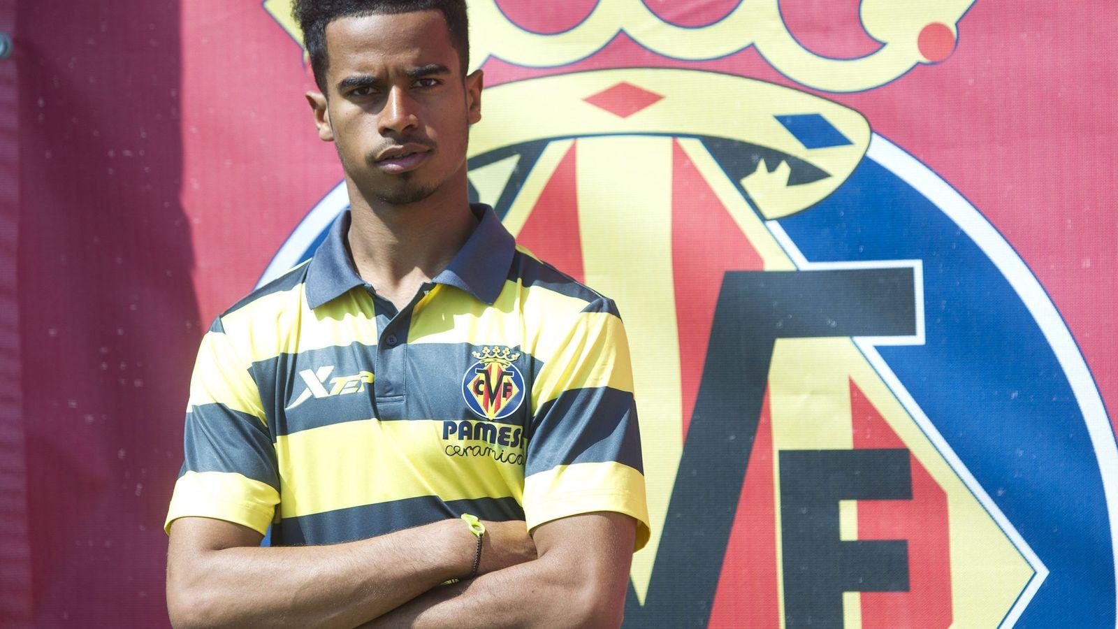 Foto: Akram Afif fue presentado hace días como nuevo jugador del Villarreal (EFE)