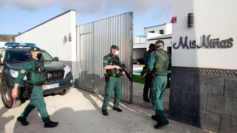 Quince detenidos e intervenidos 400 kilos de hachís en una playa en Marbella
