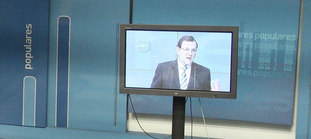 Foto: Mariano rajoy durante su comparecencia en pantalla de plasma, el pasado mes de abril.