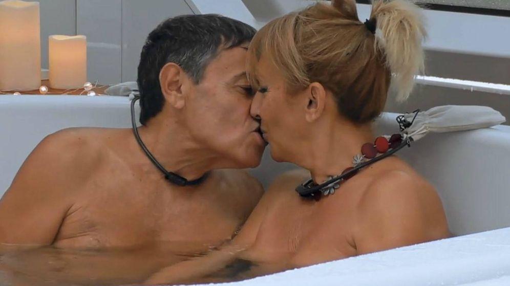 Foto: Jero y Adriana, en 'First dates crucero'. (Mediaset España)