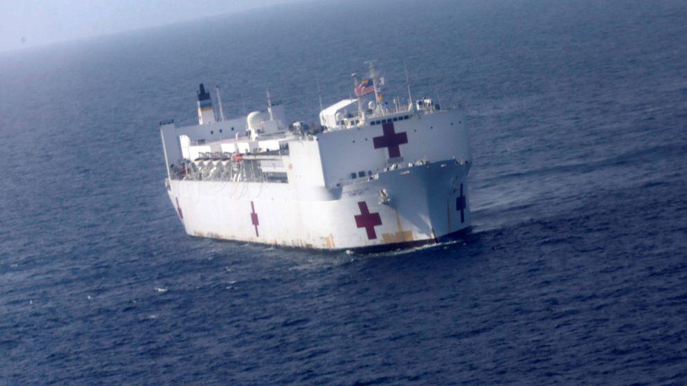 A bordo de un barco hospital de la marina de EEUU