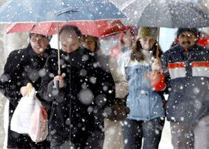 Ocho puertos de montaña permanecen cerrados mientras se mantiene la alerta por nieve en varias provincias