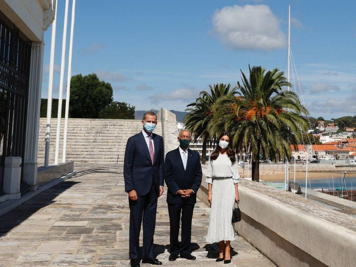 Foto: Los Reyes, con el presidente de Portugal. (Casa de S. M. el Rey)