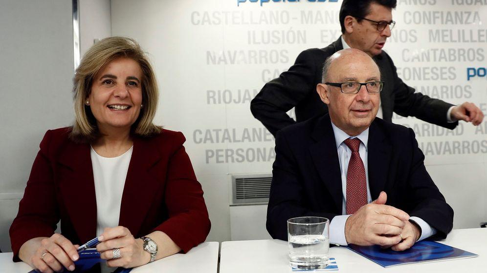 Foto: La ministra de Empleo, Fátima Báñez, y el ministro de Hacienda, Cristóbal Montoro. (EFE)