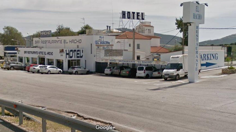 El Hacho, un restaurante de carretera, deja café y comida gratis a los camioneros