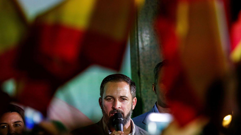 Foto: Santiago Abacal, en su comparecencia del pasado domingo tras conocer los resultados (EFE).