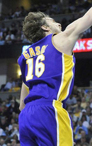 7c273b1d41bd NBA  Pau Gasol vuelve a ser el mejor de los Lakers