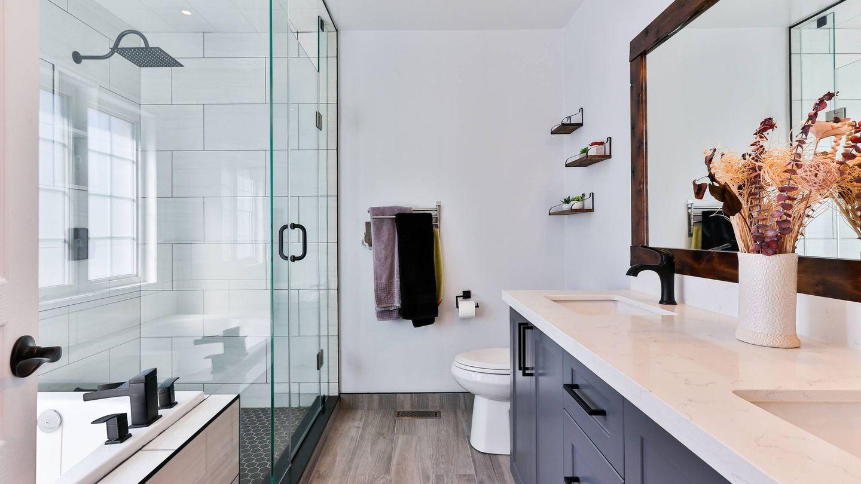 Negro mate: el color del momento para decorar tu baño. (Sidekix Media para Unsplash)