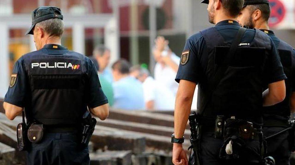 Foto: Agentes de la Policía Nacional - Archivo.