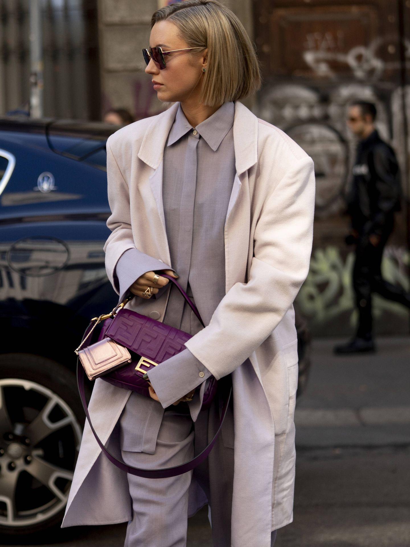 El lila sigue dominando el street style. (Cortesía)