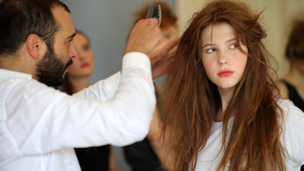 Foto: Una modelo en el backstage de Milan Fashion Week (Andreas Rentz/Getty Images)