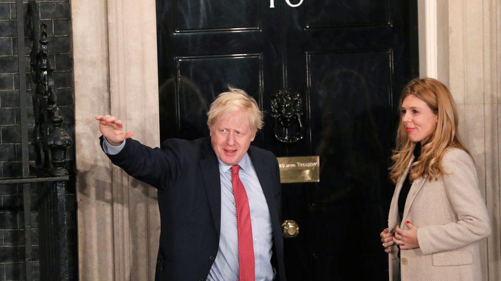 Foto: Boris Johnson, junto a su pareja Carrie Symonds. (Reuters)