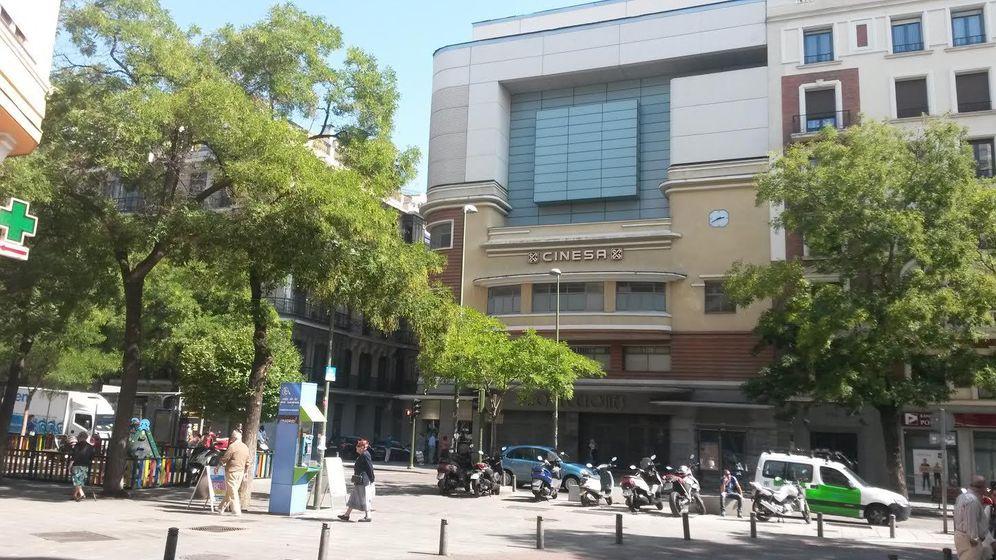 Foto: Fachada del cine Proyecciones de Madrid