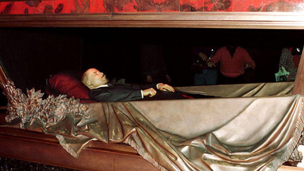 Los Romanov quieren enterrar a Lenin