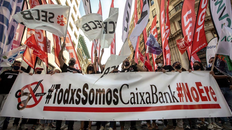 CaixaBank aumenta en un 33% activos por empleado tras absorber Bankia y el ERE