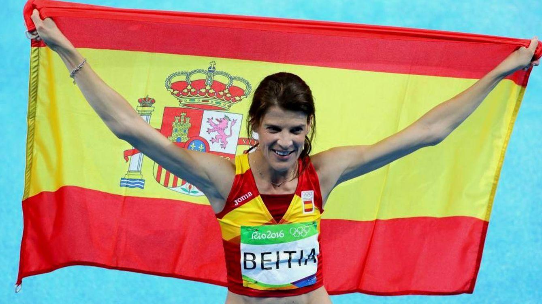 Foto: Ruth Boitia, tras conseguir la medalla de oro en Río. (EFE)