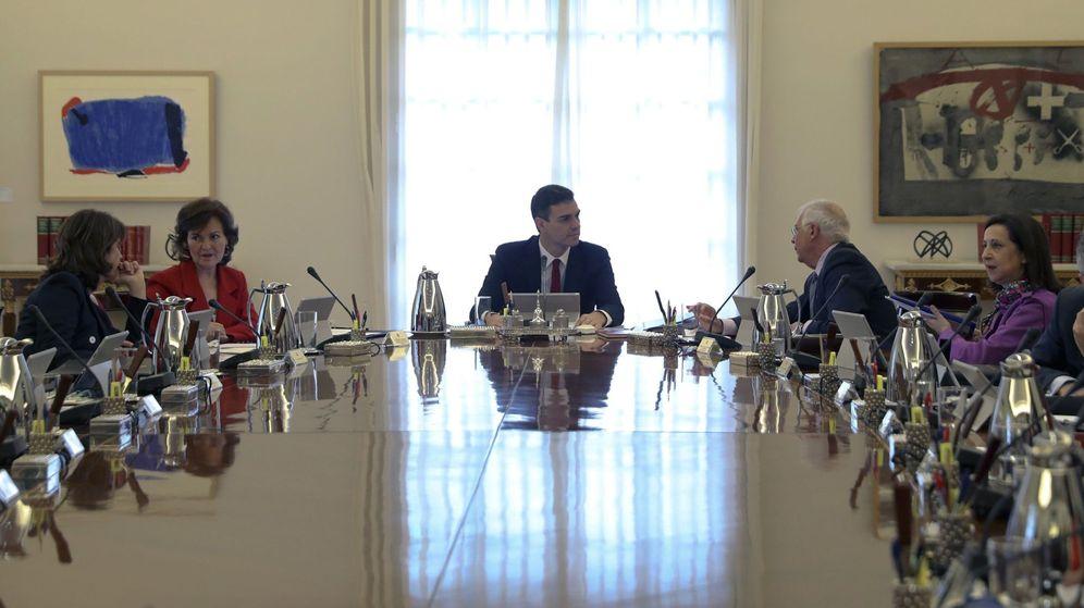 Foto: Pedro Sánchez, presidiendo su primer Consejo de Ministros, el pasado 8 de junio en La Moncloa. (EFE)