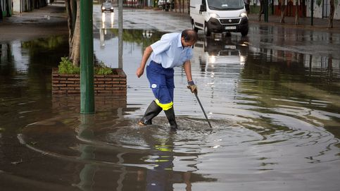 Las lluvias torrenciales en Granada provocan más de 230 incidencias