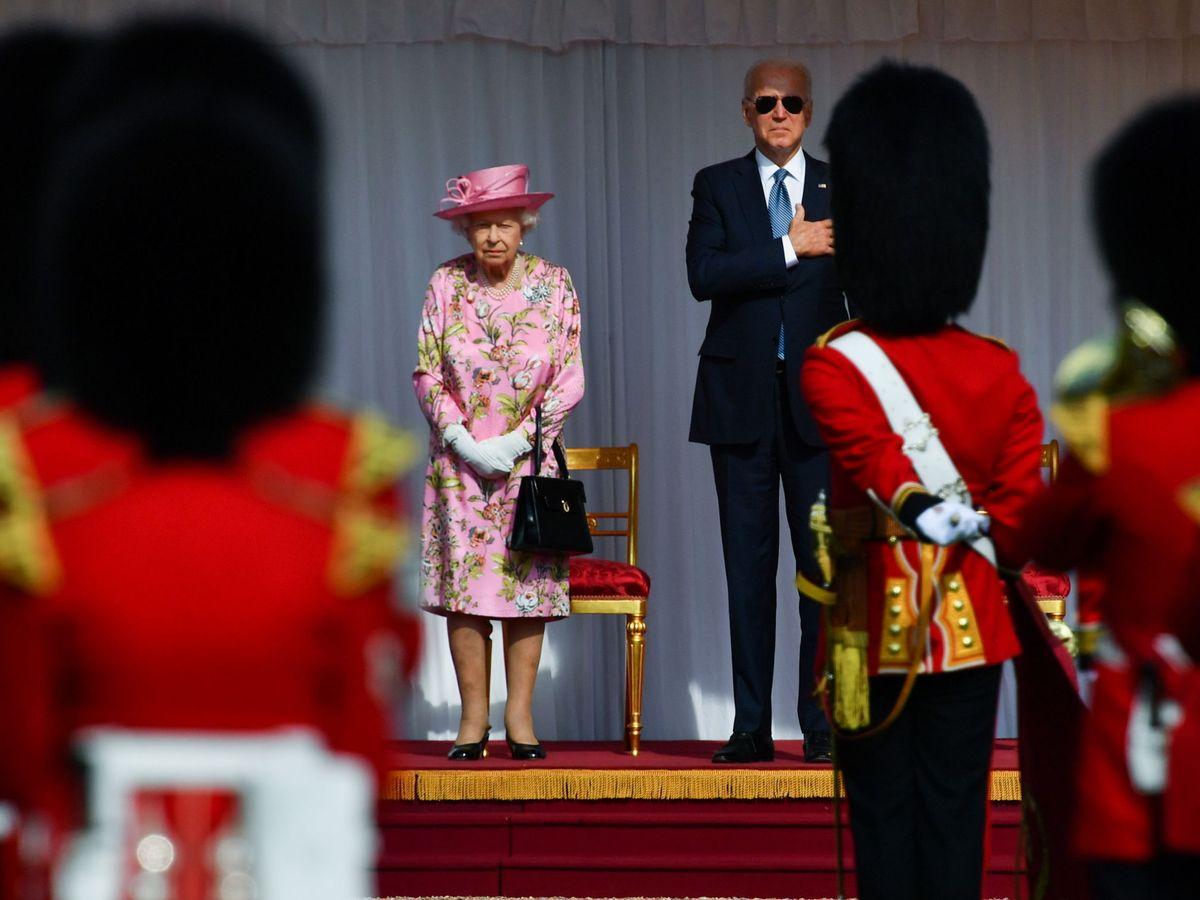 Foto: Isabel II recibe al presidente estadounidense, Joe Biden. (Reuters)
