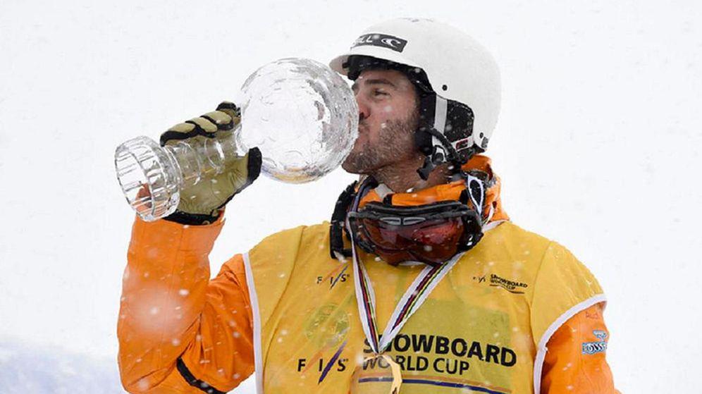 Foto: Lucas Eguibar consigue en Veysonnaz su segunda victoria en la Copa del Mundo (Efe).