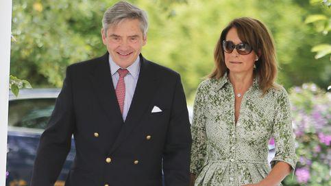 El príncipe Carlos quiere otorgar un título nobiliario a los padres de Kate Middleton