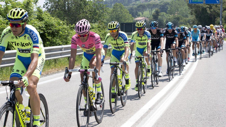 Foto: Las constantes caídas de Contador hacen dudar del Tinkoff y de su propia técnica