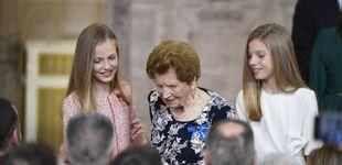 Post de El bonito gesto de Leonor y Sofía con una anciana (alentadas por la reina Letizia)