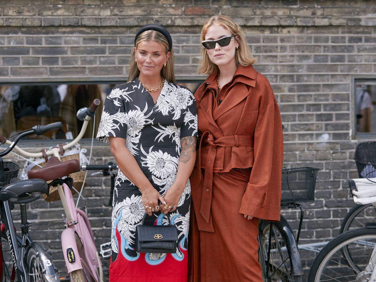 Foto: La reciente Semana de la Moda de Copenhague es testigo de como hay piezas por las que no pasa el tiempo. (Imaxtree)